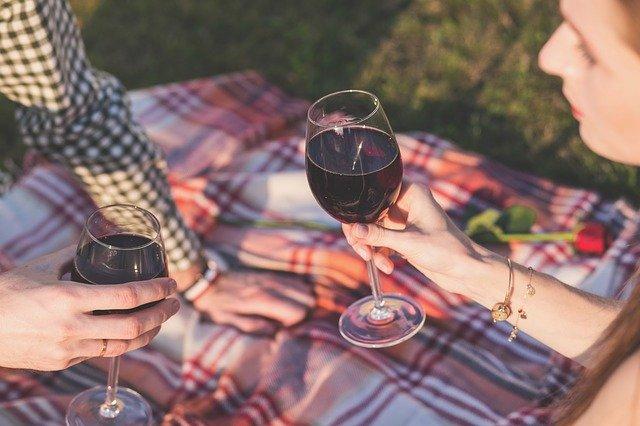 alcohol 1853380 640-lafea-vinos